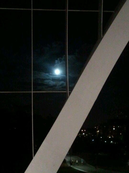 Luna desde el puente Perrault. Madrid