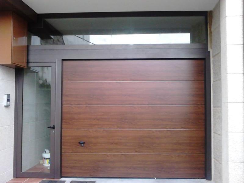 Seccionales puertas seccionales novoferm iso 45 for Garajes automaticos