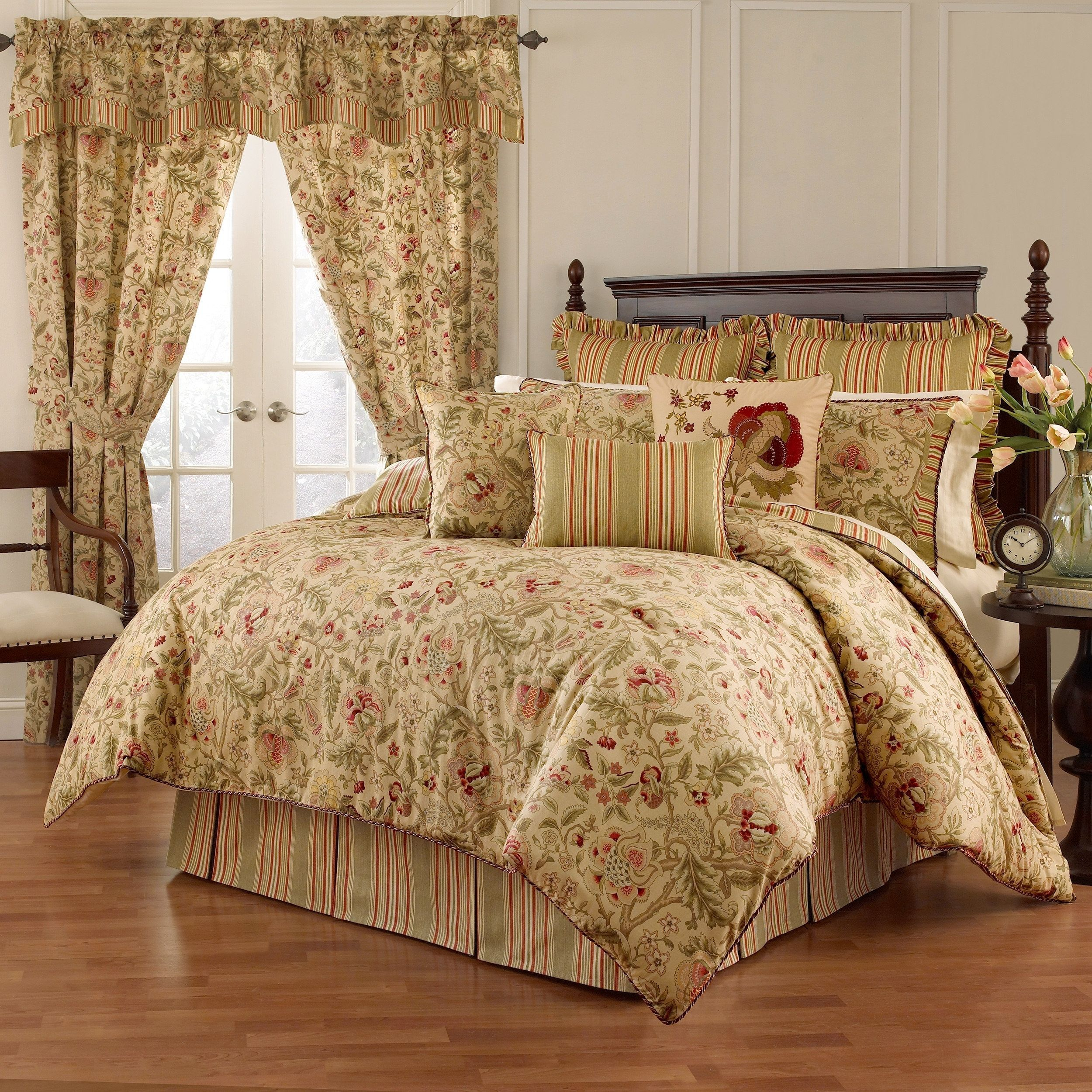 Waverly Imperial Dress Antique 4 Piece Comforter Set Comforter