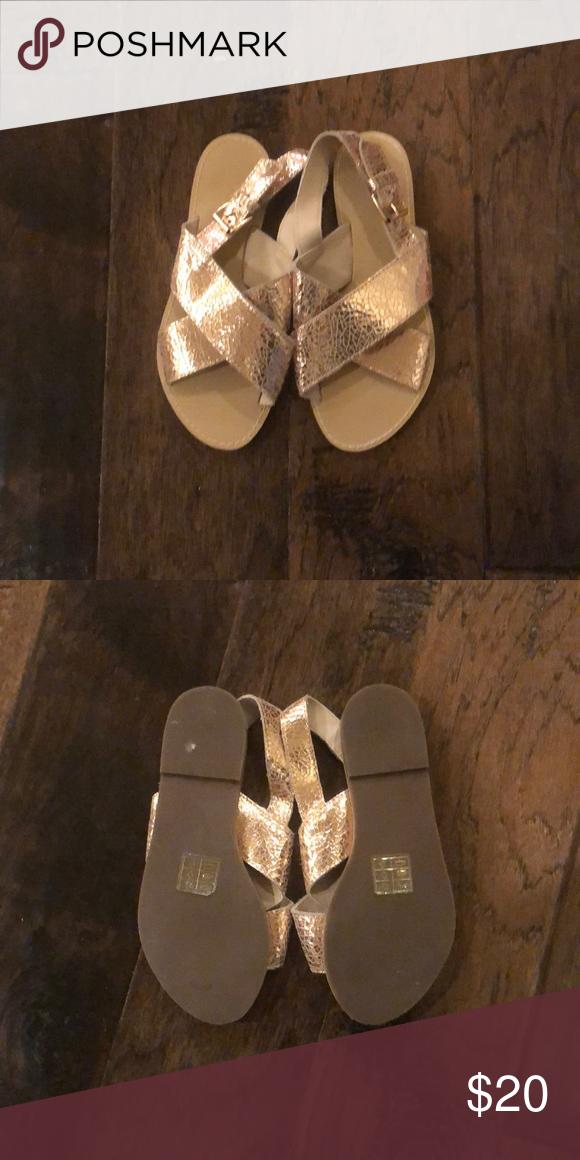 Girls Crewcut Sandals EUC Metallic Gold Girls Sandals