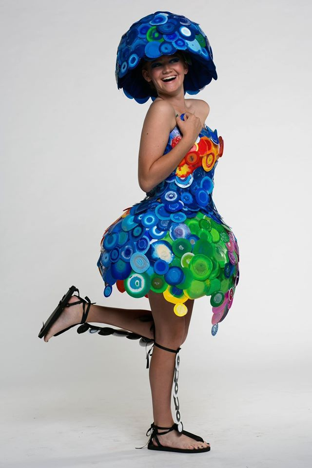 A dress made out of 500 plastic bottle lids artist jacq for Art out of plastic bottles