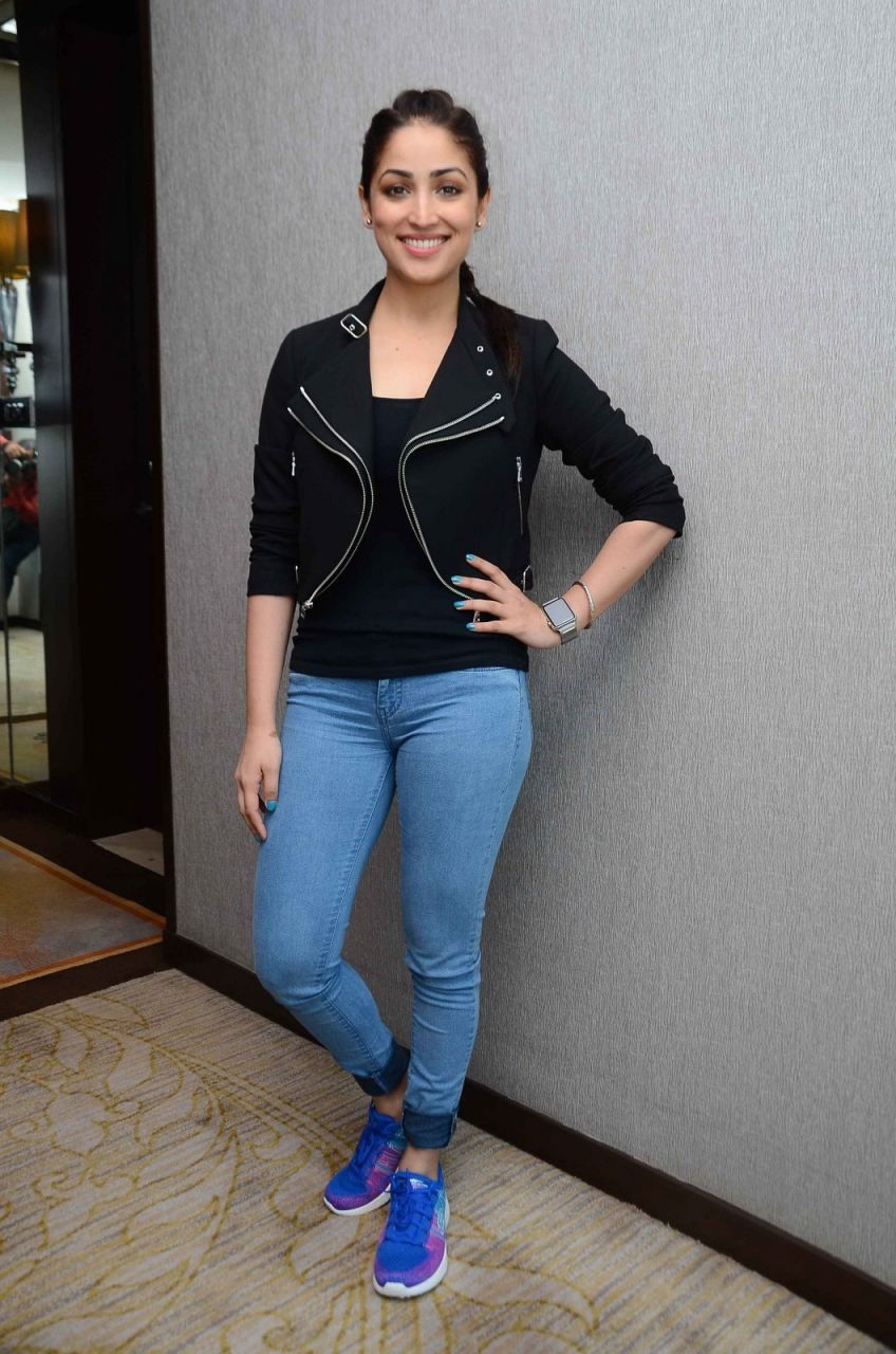 www.色se.com免费观看_awesome Yami Gautam launches Skechers burst shoes | Hottest pic, Fashion, Product launch