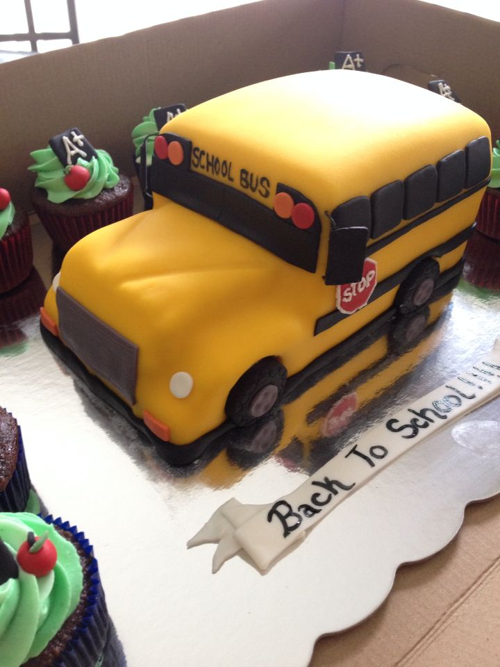 Back To School Bus Cake Krystals Kreations Pinterest School