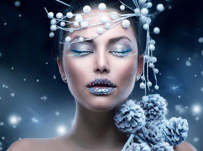 DIY Christmas Makeup Tips; http://info.osr.org/en/christmas/christmas-makeup-looks-that-make-you-shine