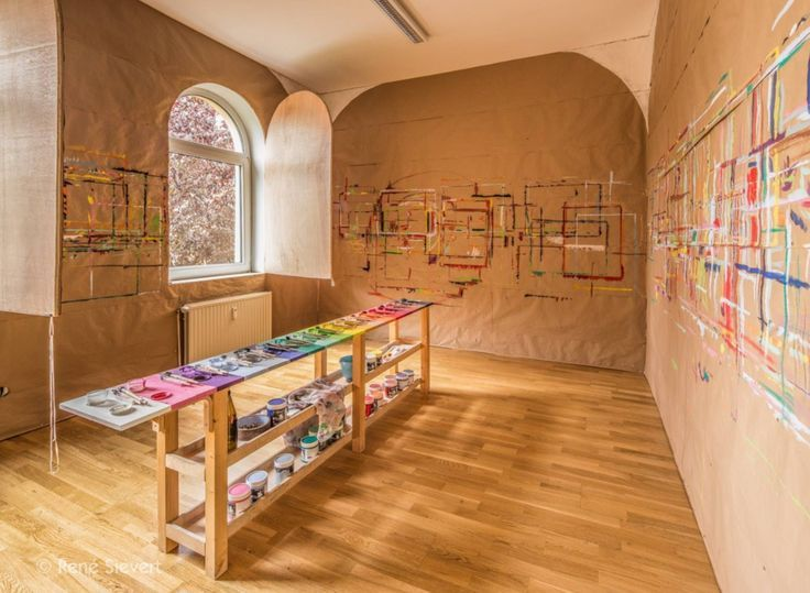 I Love How Children Would Be Able To Color All Over The Walls Ed Kinder Kinderhaus Kreativ Raum