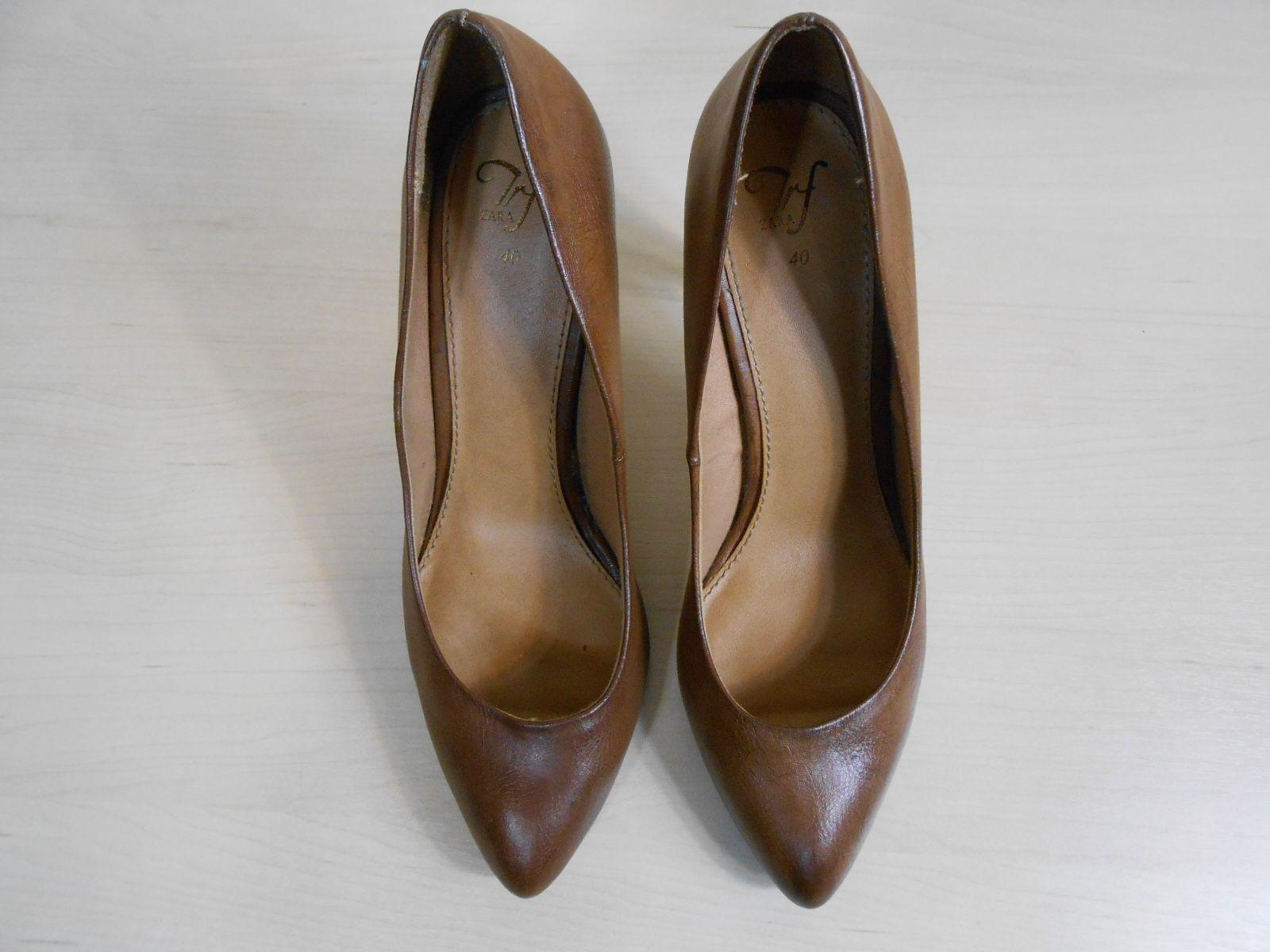 Sapato tamanho 40!! Cor muito versátil!!
