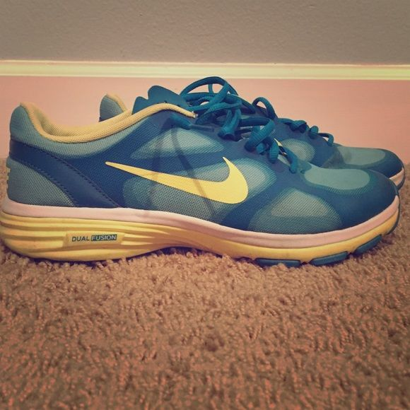 Nike dual fusion Nike dual fusion athletic shoes. Only worms couple times Nike Shoes Athletic Shoes