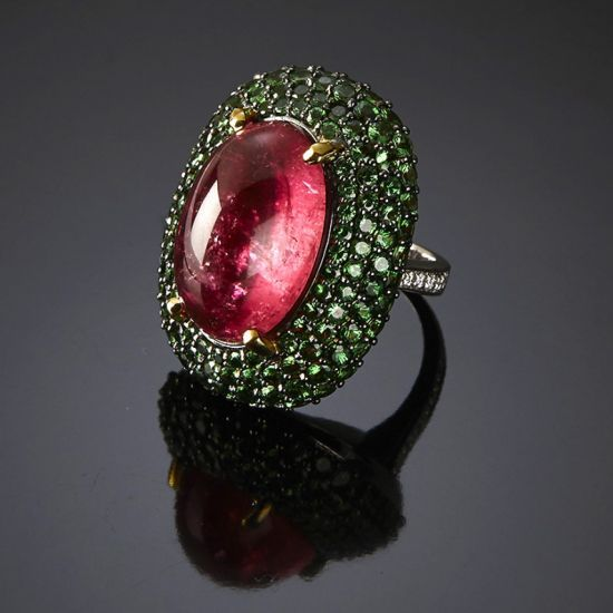 Ring set with rubellite, tsavorites and brilliant-cut diamonds MOOD RING