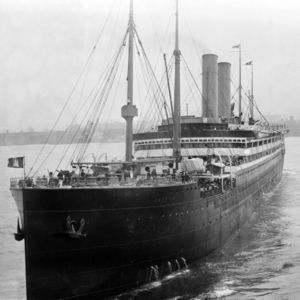 SS Amerika Later The USS Amerika The First Ship To Warn - Uss america cruise ship