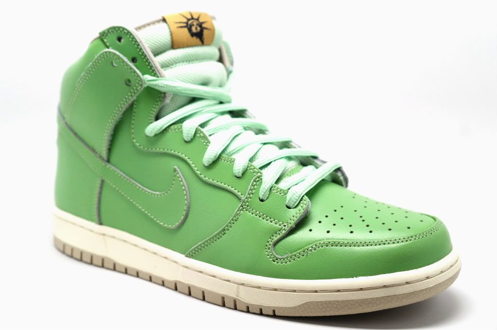 wholesale dealer e03dd 133f4 Nike SB - Statue of Liberty   Sneaker Time in 2019   Nike ...