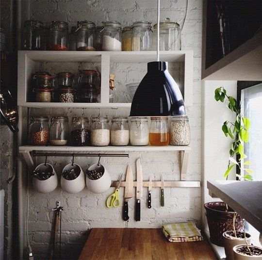 Why Are We Soothed By Jars All in a Row? 5 Examples of Serial Kitchen Organization | The Kitchn