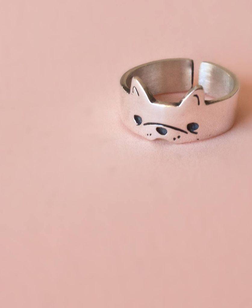 Anillo perro — Clara y Yema | Moda | Pinterest | Cat ring and Ring