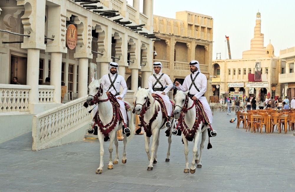 يشهد تخصص الجلدية في قطر إقبالا كبيرا حيث تكثر المشكلات التي تصيب البشرة وتؤثر على مظهرها العام تعرف على افضل دكتور جلدية في قطر مع ت Doha Like A Local Qatar