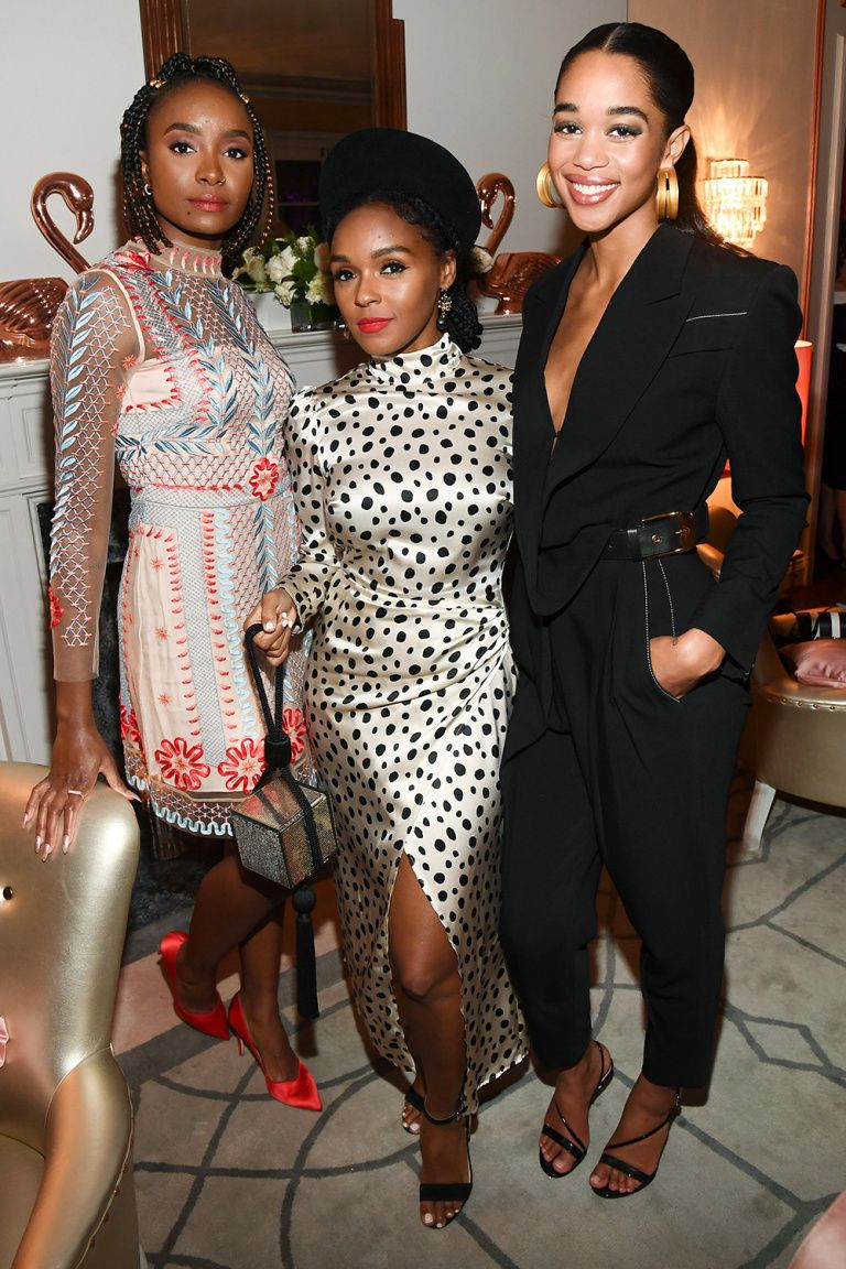 Zoë Saldana Shines At A Pre Oscars Party Plus Selena Gomez Denzel Washington And More Celebrities Christina Hendricks Baldwin Family