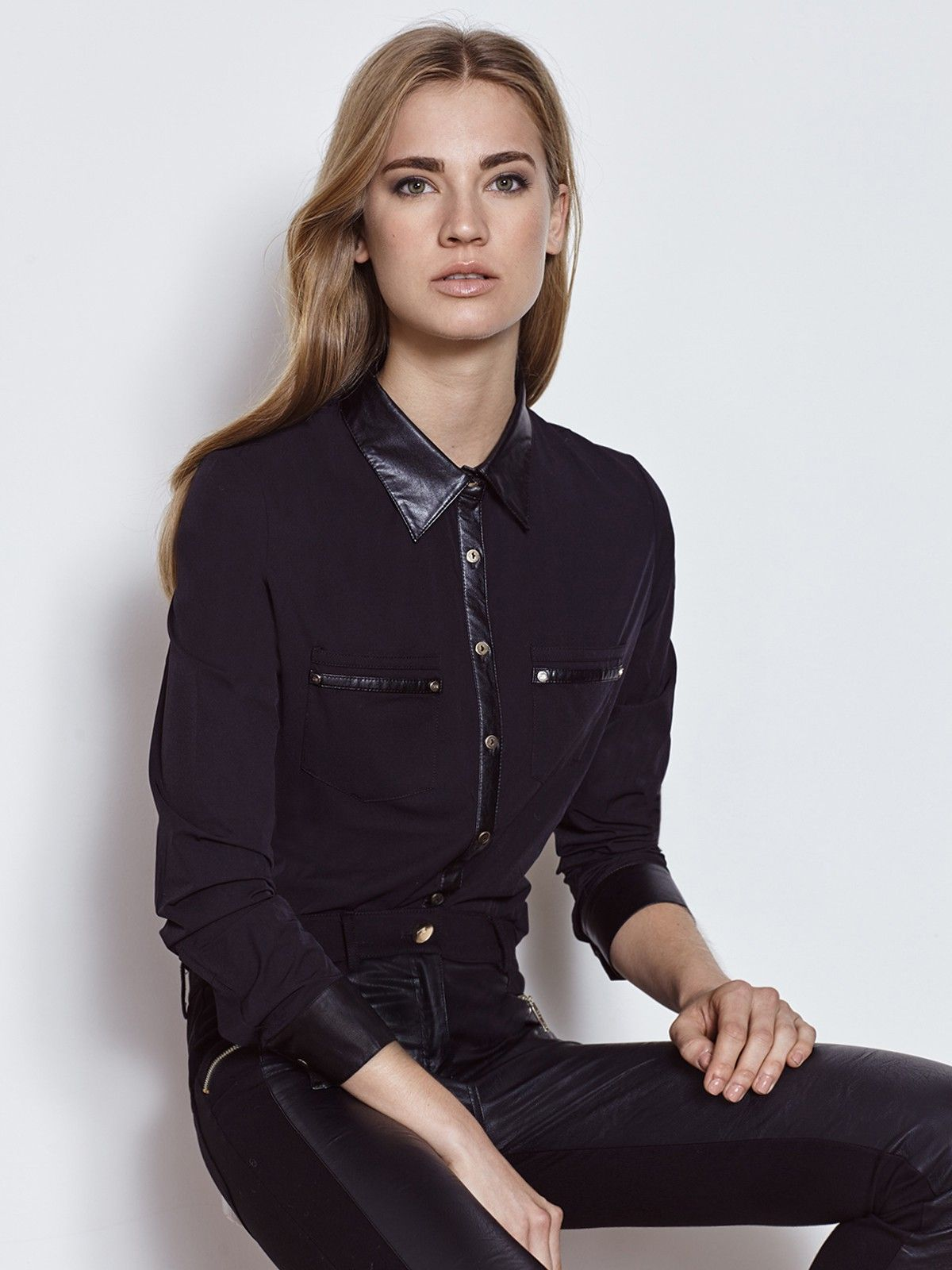Camisa negra mujer coleccion javier simorra Pedralbes Centre  working d7b982d78644