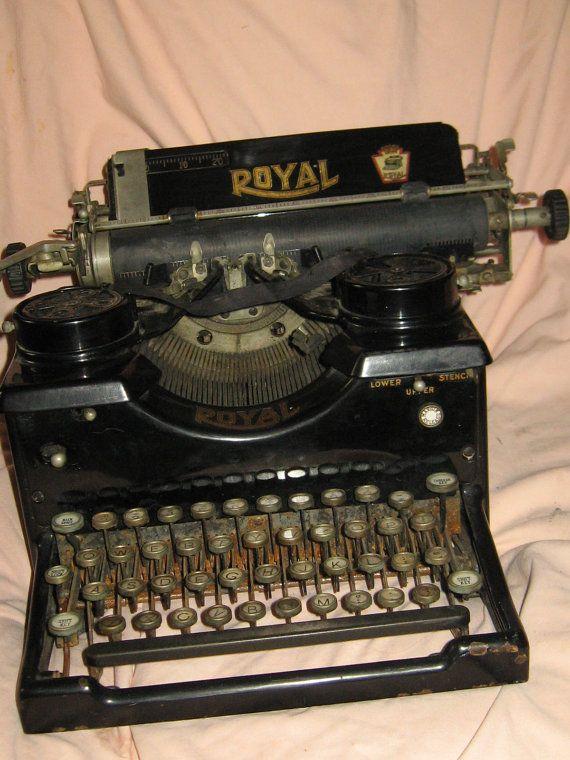 Antique Vintage 1900s Royal Typewriter By Linsvintageboutique 75 50 Royal Typewriter Typewriter Vintage