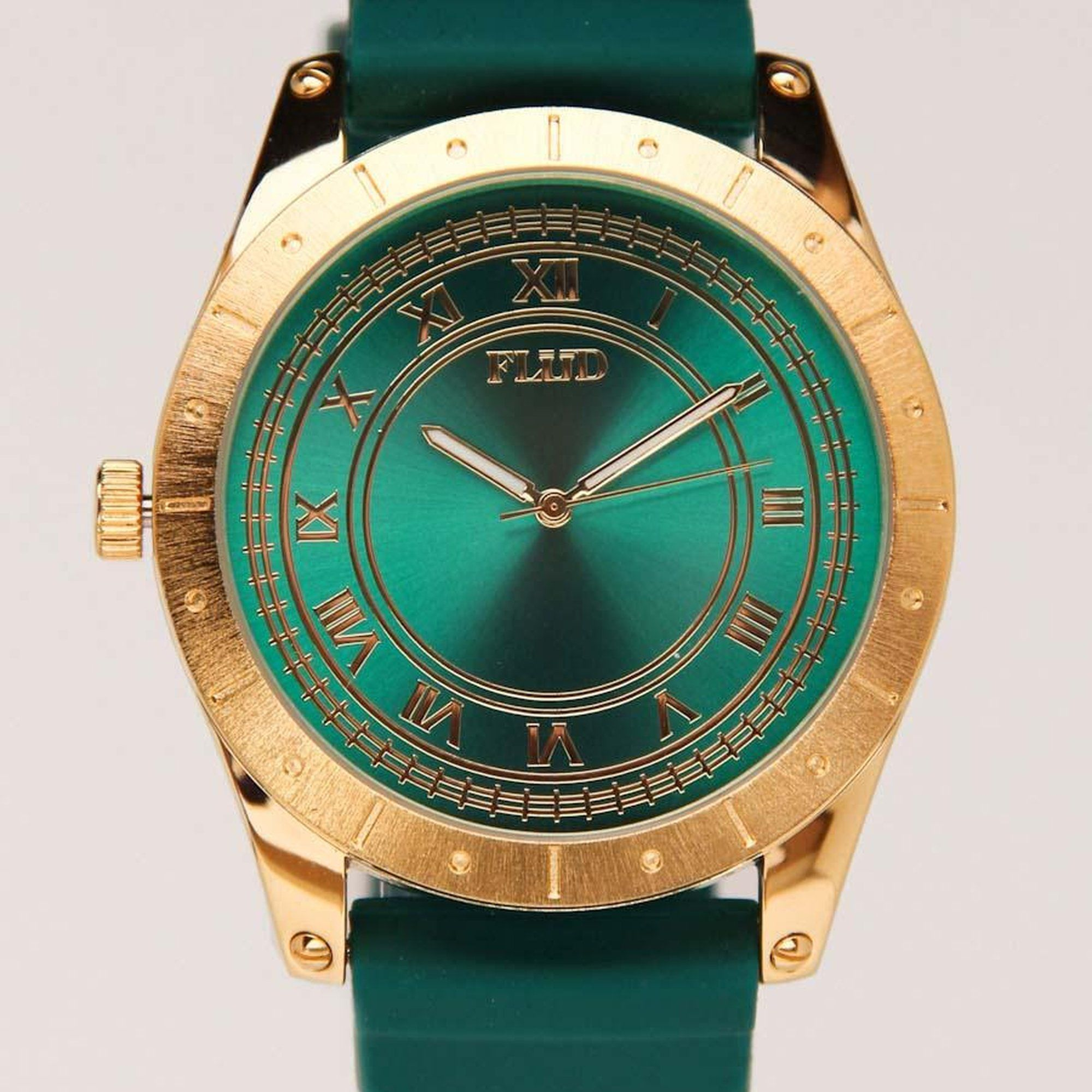piaget diamond emerald thousand watch white watches gold vintage pave in