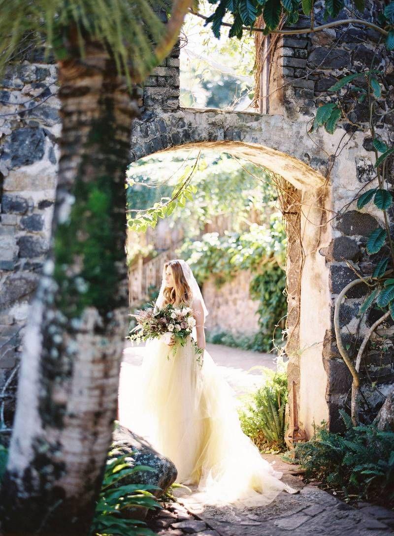 Lush bridal ideas at mauius haiku mill hawaii wedding inspiration
