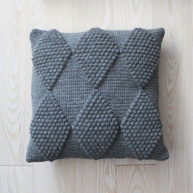 LUTTER IDYL Crochet Pillows with harlequin | Hæklede puder med ...