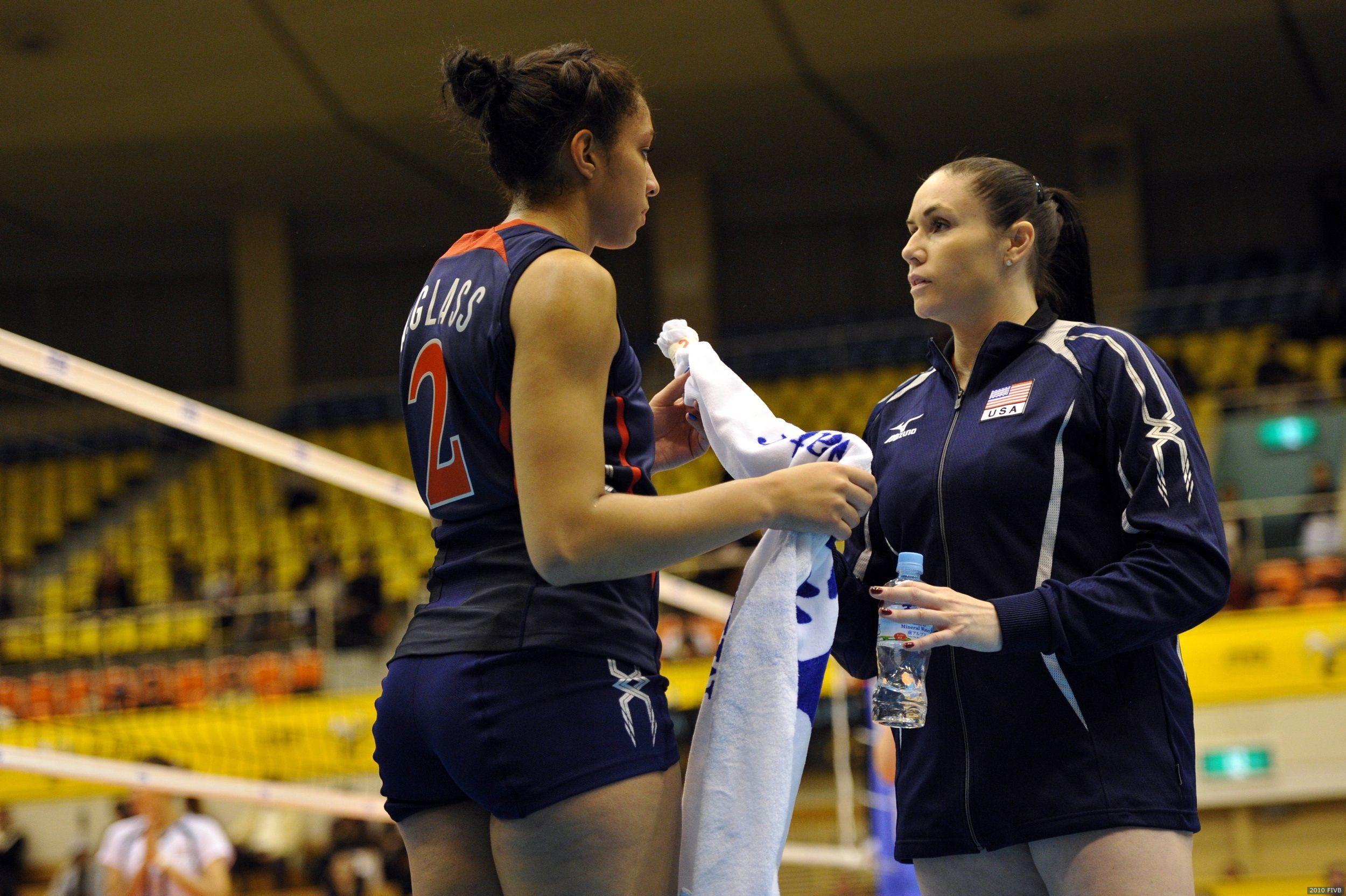 Setting Tips From Olympian Lindsey Berg Usavolleyball Tea Usa Volleyball Volleyball Workouts Team Usa