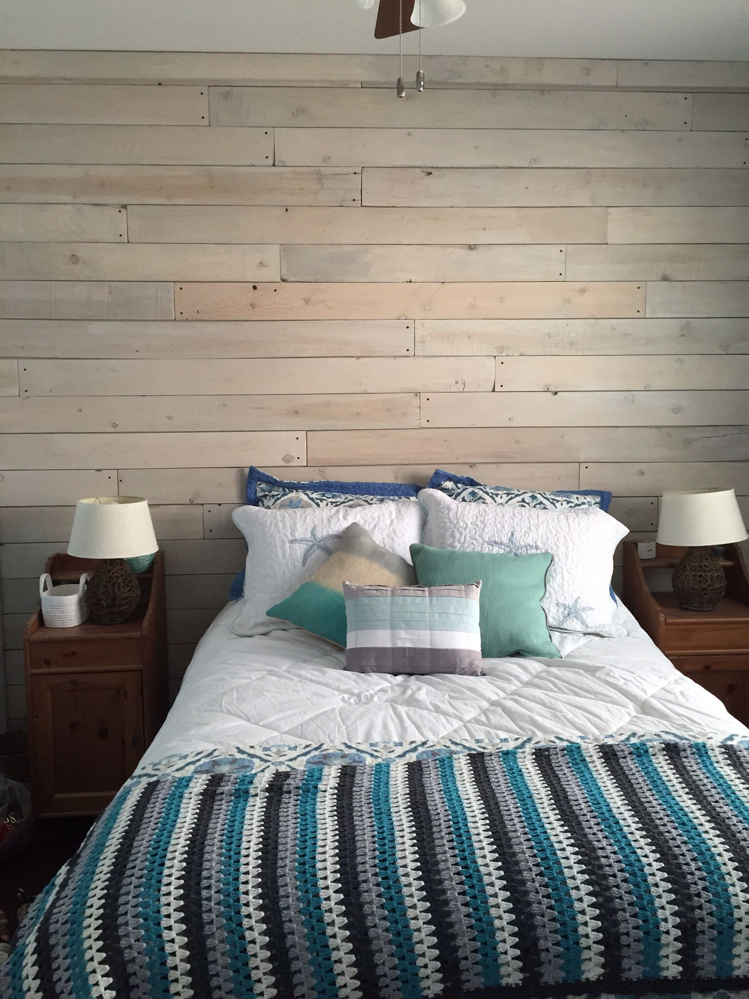 Owen s olivia whitewashed wood technique tutorial - Whitewashed Wood Panels In Guest Bedroom Wood Used Cheap Cedar Fence Boards Sanded
