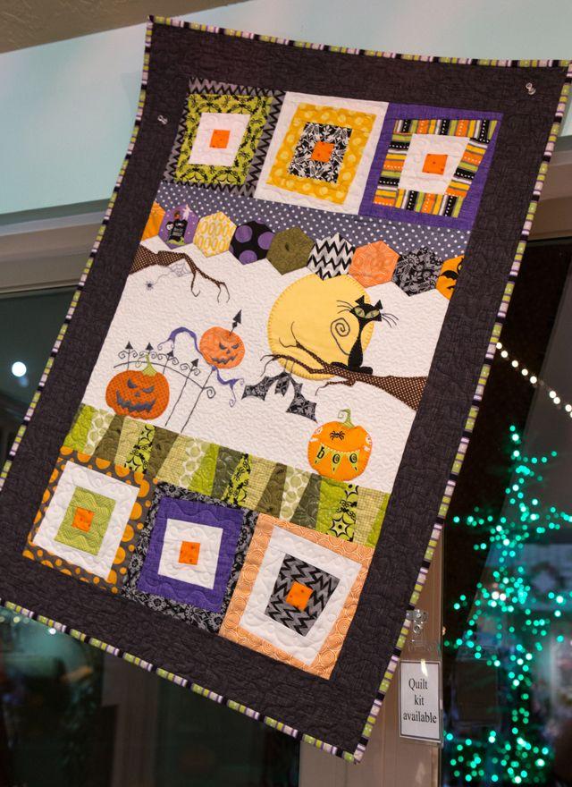 halloween quilt at Gsrdner Village   Halloween & WitchFest ... : gardner village quilt shop - Adamdwight.com