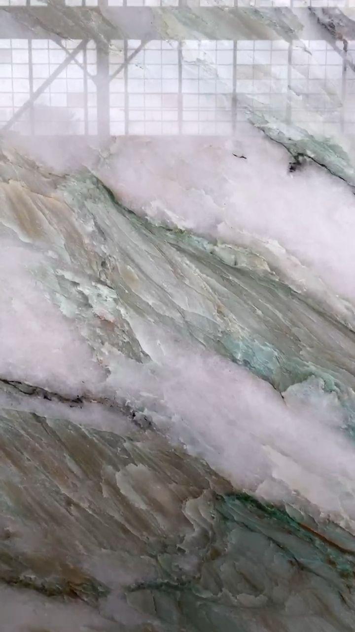 Alexandrite quartzite from Brazil
