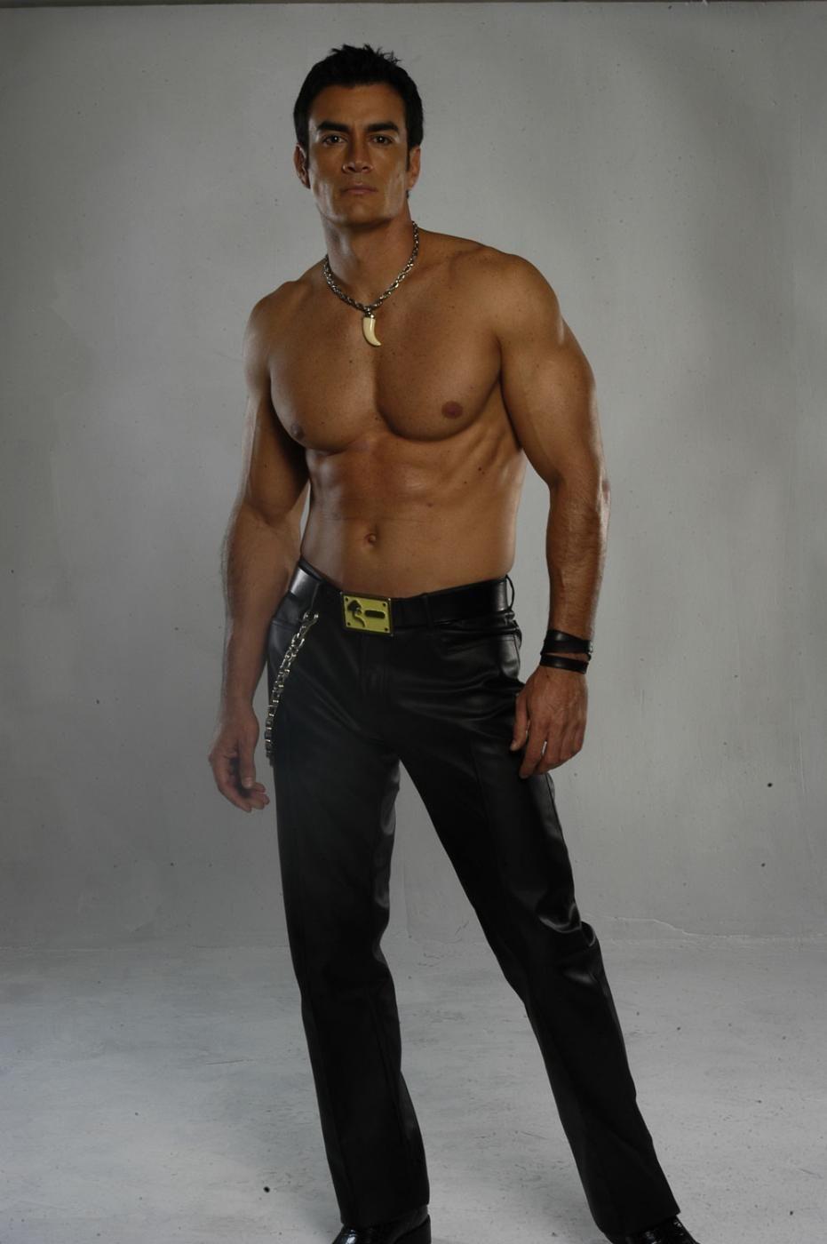 Resultado de imagen para David Zepeda sin ropa