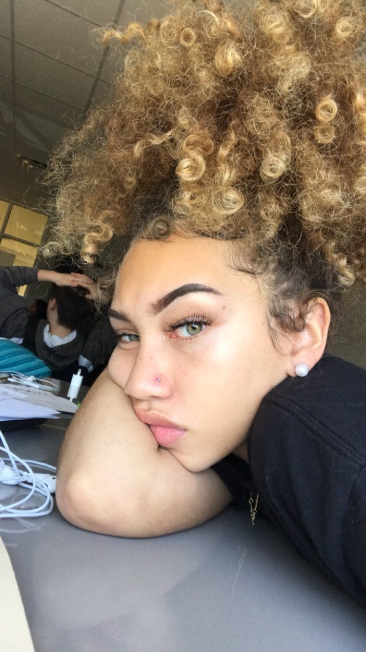 Pin by prettyinkayy on tumblr slay pinterest baddies curly and