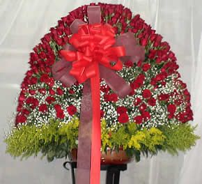 Arreglo En Rosas Rojas Tipo Abanico Arreglos Florales De