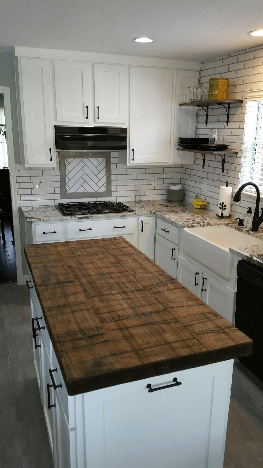 Reclaimed Wood Planks By Reclaimed Designworks Used For Kitchen Island Wood Countertops Kitchen Island Kitchen Remodel Kitchen Renovation