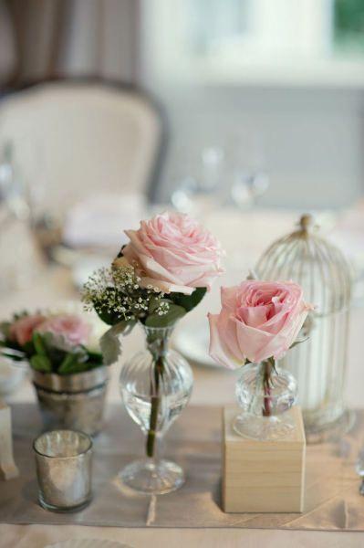 Mucho blanco y colores pastel para la mesa de boda boda - Jaulas decorativas ikea ...