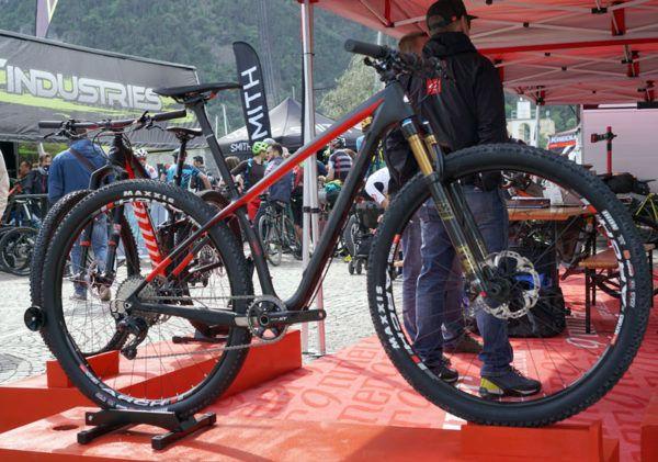2017 Niner AIR9 RDO lightweight carbon fiber hardtail race mountain bike