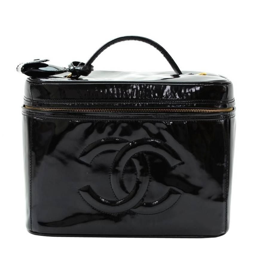 c99f12a04b7f 1600 Chanel RARE Black Patent Leather Large Jewelry Travel Beauty Case Top  Handle Bag | From