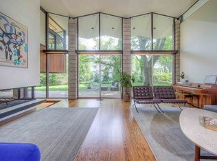View 40 photos of this $675,000, 4 bed, 4.0 bath, 3200 sqft single family home located at 2 S Providence Rd, Wallingford, PA 19086 built in 1958.