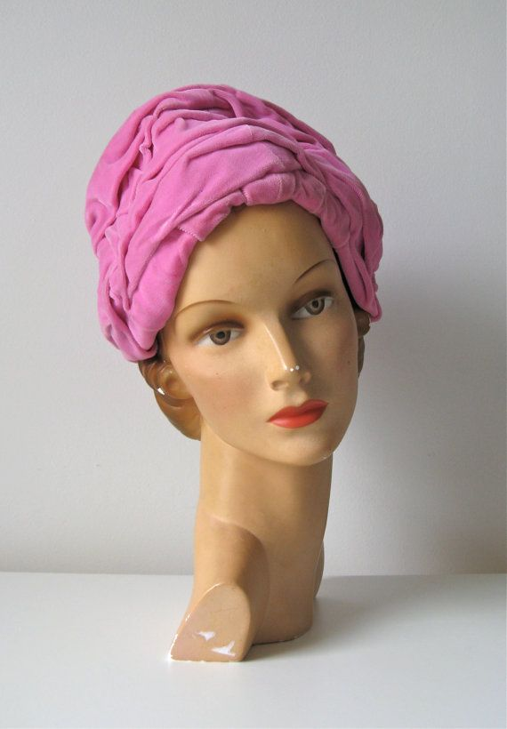 vintage 1960s turban hat   pink vevlet 60s hat by Dronning on Etsy ... 8e93bf6b901
