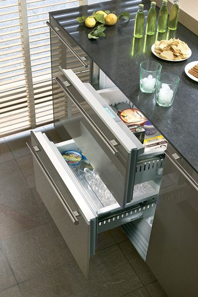 Liberate Your Kitchen From Central Refrigeration Think Refrigerated Drawers In The Prep Area For Fresh Produ Moderne Kuche Kuchendesign Design Fur Aussenkuche