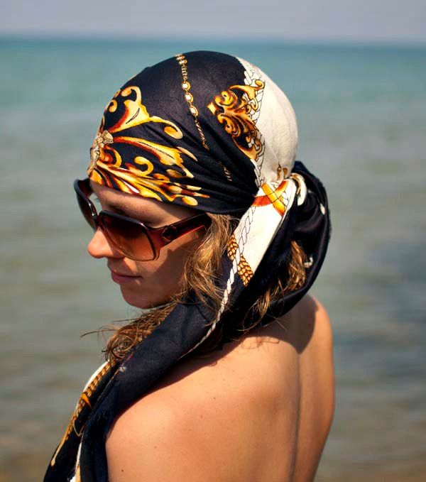 Wrap up your hair with this Beach Hair Scarf Tutorial from Hair Romance. plus 40 Beach Tips and Tricks - Hacks and Ideas for Your Trip to the Sand
