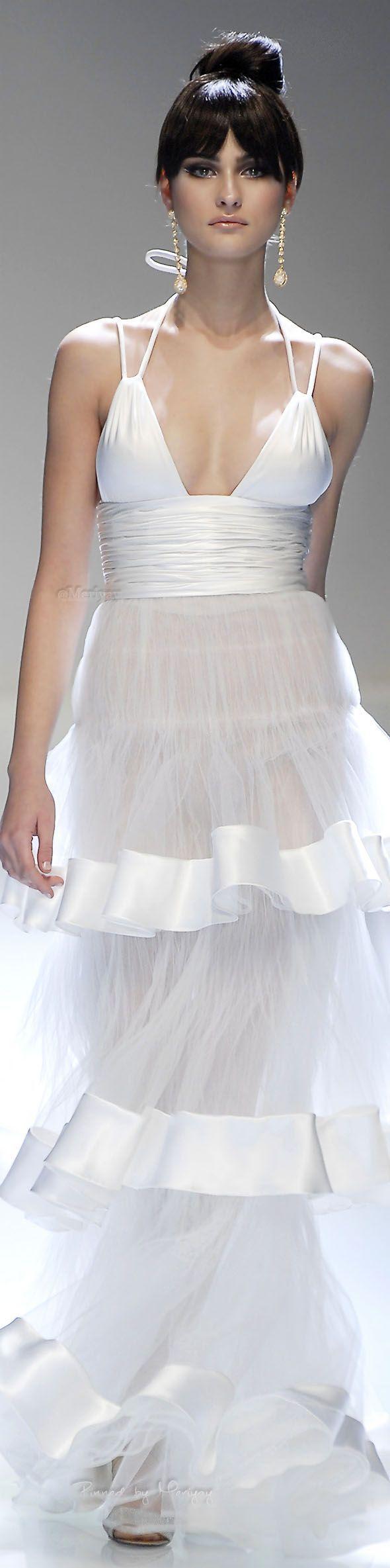 Tendance robe de mariée valentino mariage pinterest