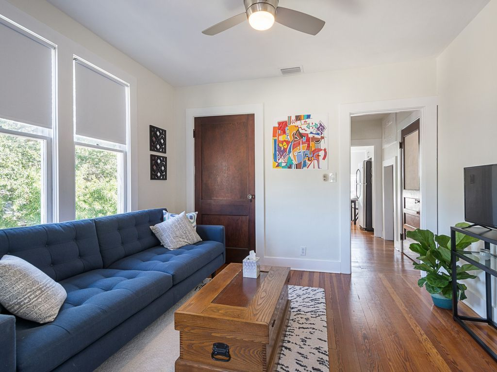 COZY OLD NORTHEAST/DOWNTOWN APARTMENT CLOS... HomeAway