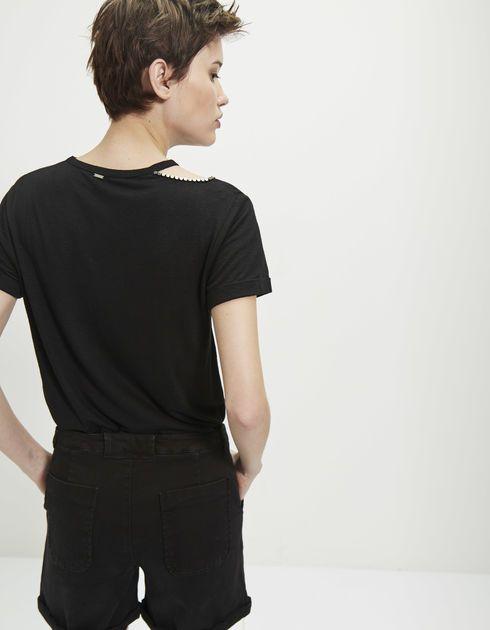 Camiseta negra remaches mujer