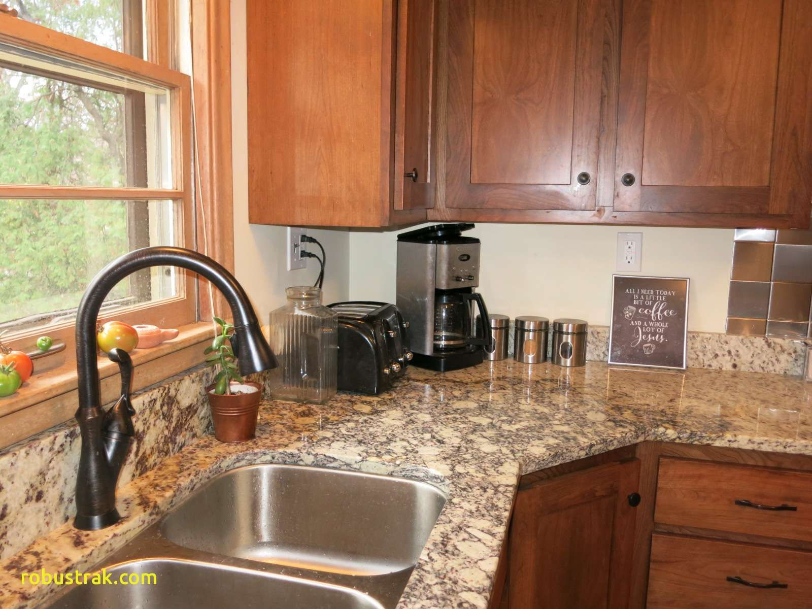 Best Honey Maple Cabinets Shaker Kitchen Cabinets Brown 400 x 300