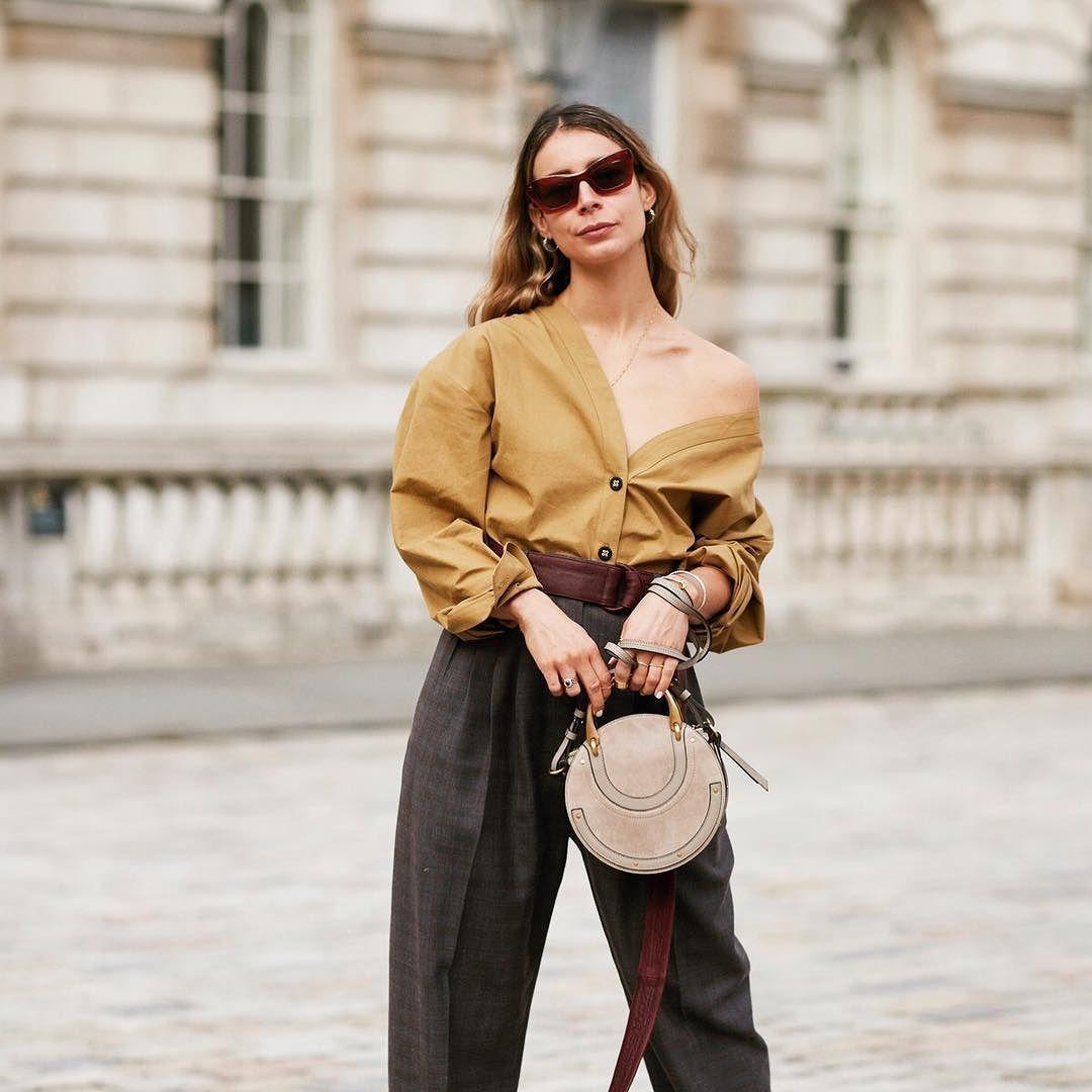Un camisa abierta y el bolso #pixie de @chloe un estilismo
