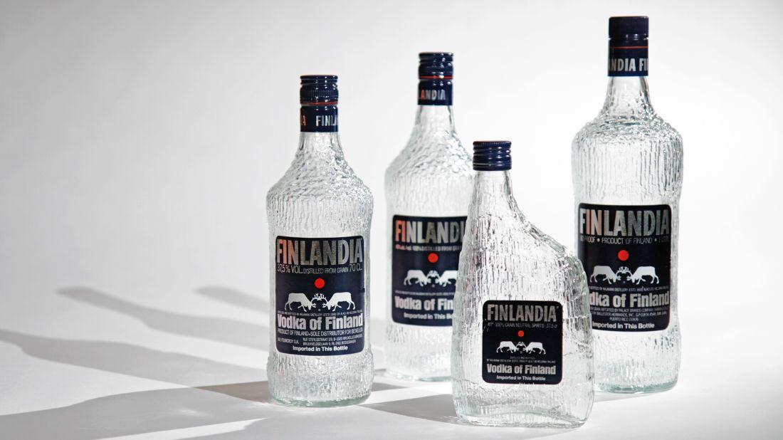 Finlandia vodkapulloja valmistettiin useassa koossa