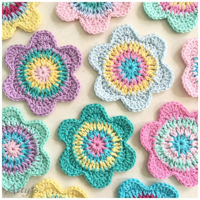 atty's: Happy Flower Crochet Coasters #dekoblumen