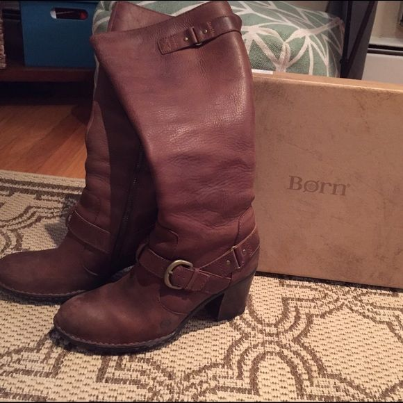 Born leather boots Box included, great condition. Very comfortable! Born Shoes Heeled Boots