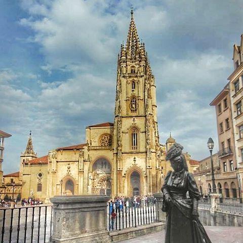 #Oviedo y una de sus #fotografias más características 🇪🇸 http://bit.ly/21lChKh