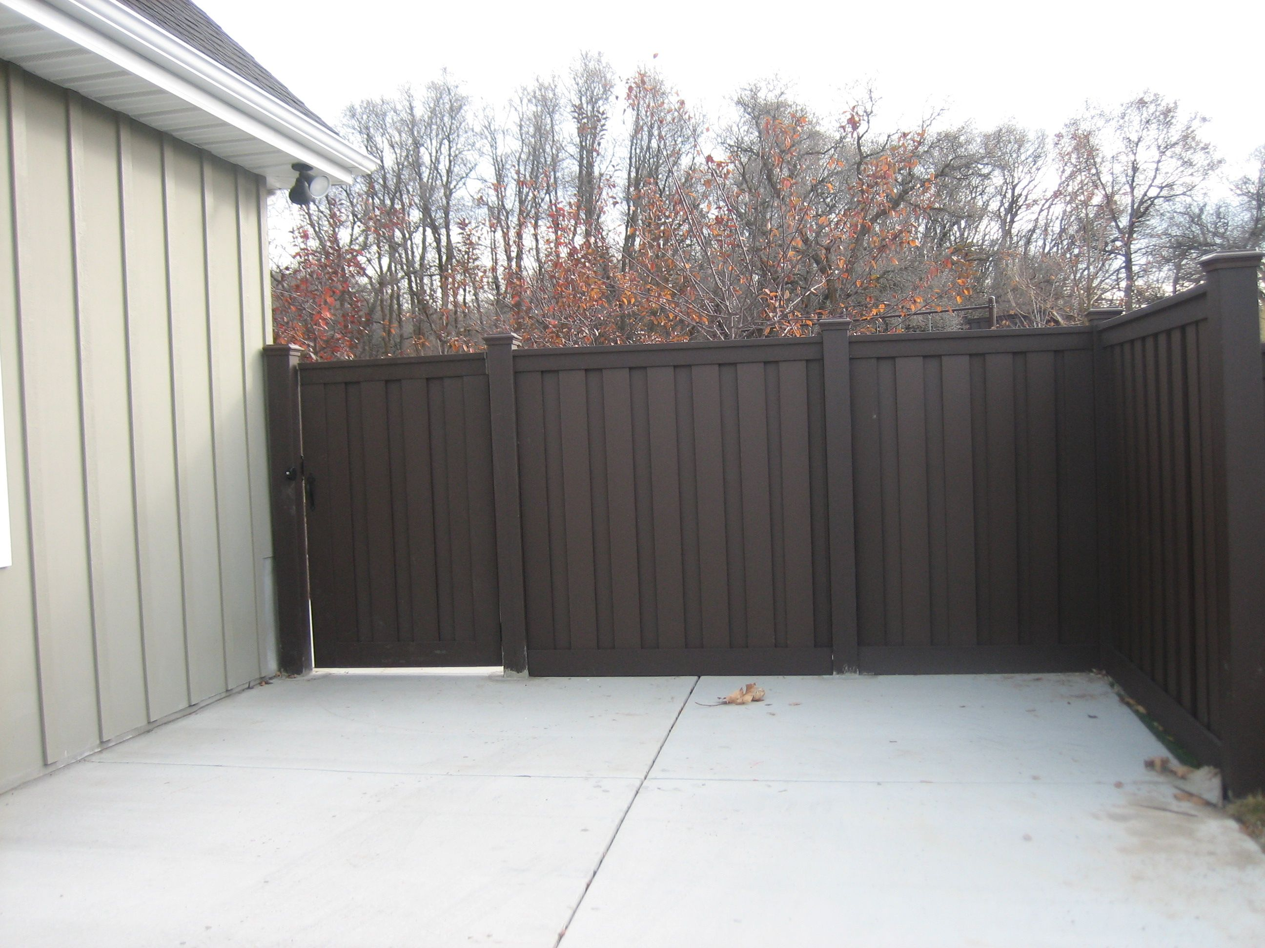 Trex fencing More durable than vinyl and more stylish