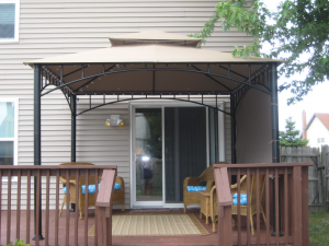 Awesome Idea For A Temporary Awning Over The Deck Home Decor Inspiration Porch Ideas