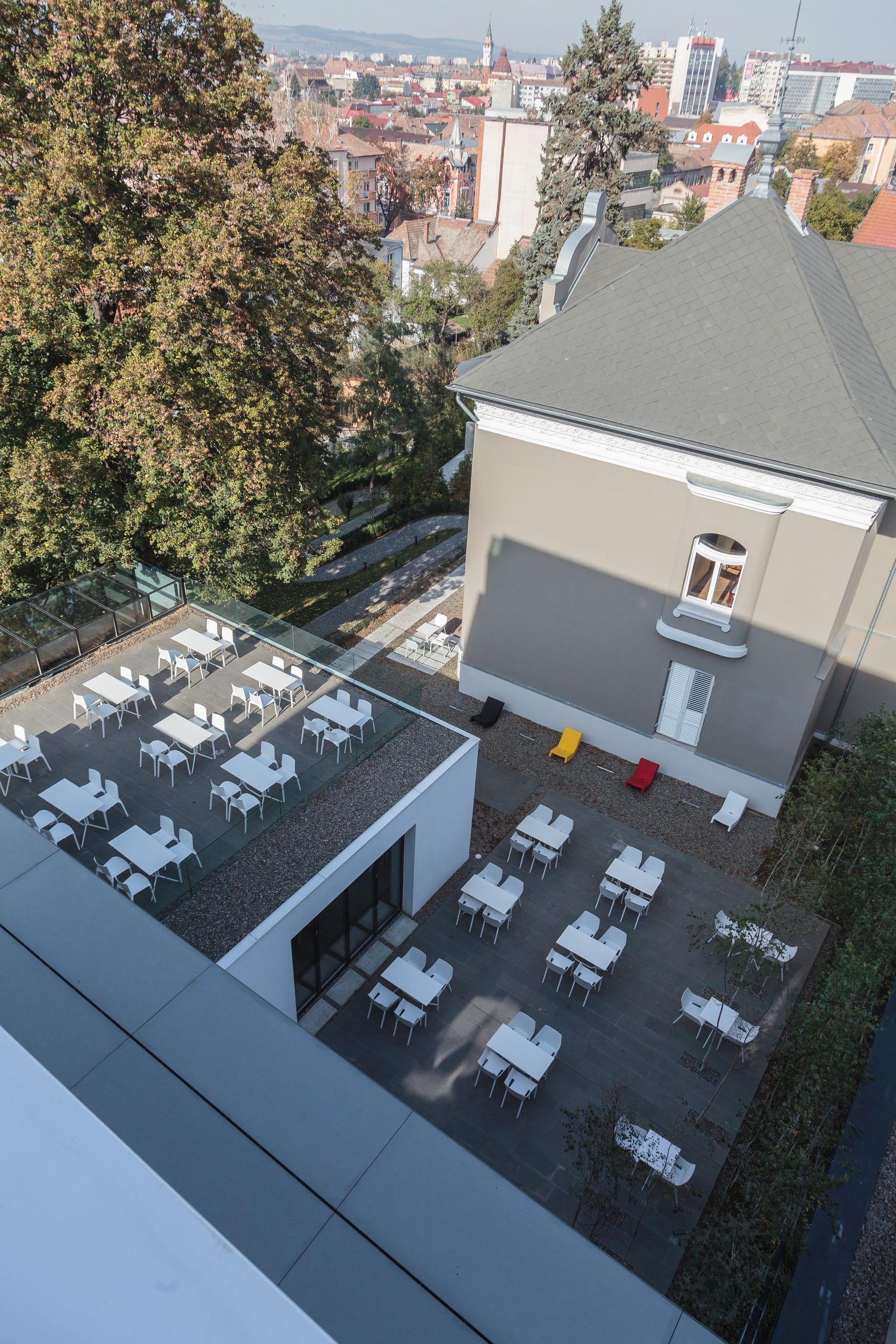 Mem Chair + Plana Chair + Poule table by Kristalia @ Hotel Privo 27, Gh. Doja Street 540342 Tg. Mureş, Romania #pillet #norguet #bistrofurniture #outdoorliving